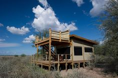 Photographic safari, team building photo safari and wildlife photography course accommodation Kalahari Plains Wilderness Camp - photo by Dana Allen Camping Set Up, Tent Camping, Glamping, Luxury Tree Houses, Outdoor Toilet, Safari Holidays, Game Reserve, Stargazing, Luxury Travel