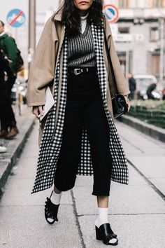 24 Young Street Style Outfits You Will Definitely Want To Try - Fashion New Trends Best Street Style, Looks Street Style, Looks Style, Street Style Women, My Style, Teen Fashion, Fashion Outfits, Womens Fashion, Fashion Trends