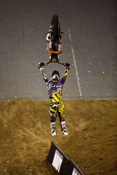 Levi sherwood <3 but im still angry at him for beating bilko in the Xgames i cryed :(......... why are u so tallented haha Bilko is so gonna beat u next year