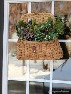 Outdoor Vintage Christmas Decorating Ideas & How to Make a Bow! - Finding Home
