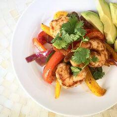 Sheet Pan Shrimp Fajitas Fish Recipes, Seafood Recipes, Mexican Food Recipes, Dinner Recipes, Cooking Recipes, Healthy Recipes, Jalapeno Recipes, Pepper Recipes, Deserts