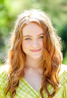 The 16 Best Celeb Beauty Looks of the Week Best Beauty Looks of the Week: Sadie Sink The Americans, Stranger Things Girl, Stranger Things Netflix, Blue Bloods, Celebrity Beauty, Celebrity Look, Sadie Sink, Celebs, Celebrities