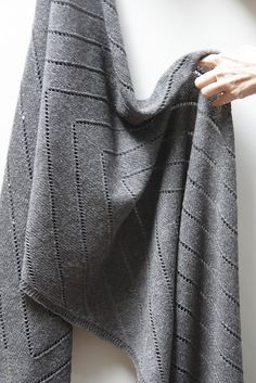 Ravelry: Otter's Wake Wrap pattern by Leslie Weber