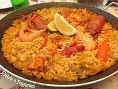paella-de-arroz-con-bogavante-langostinos-y-merluza