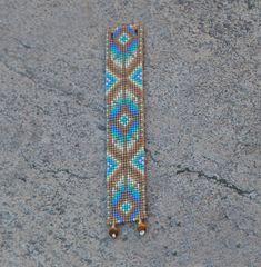Beaded Cuff Bracelet, Bead Loom Bracelets, Beaded Jewelry, Bead Loom Patterns, Beading Patterns, Beading Ideas, Native American Fashion, Native American Jewelry, Cherokee