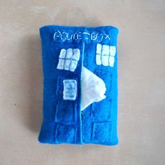 TARDIS tissue holder. Seems easy to make.
