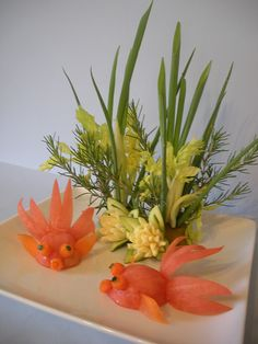 Tomato Goldfish by Chuncarv Fruits Decoration, Vegetable Decoration, L'art Du Fruit, Fruit Art, Fruit Cakes, Veggie Art, Fruit And Vegetable Carving, Veggie Food, Edible Food