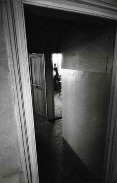 fantasticna:Jeanloup Sieff, Nu à la fenêtre, c.1972