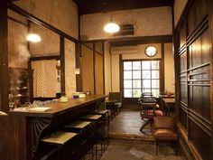 レトロな雰囲気が漂う隠れ家的な喫茶店