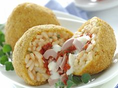 Reis-Kroketten mit Thunfisch und Mozzarella | Kalorien: 856 Kcal - Zeit: 1 Std. | http://eatsmarter.de/rezepte/reis-kroketten-mit-thunfisch-und-mozzarella