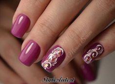 Cheerful nails