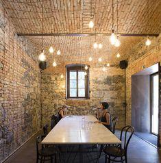 Bistro EK / dekleva gregorič architects