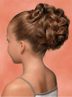 The Effective Pictures We Offer You About junior bridesmaid hair short A quality picture can tell yo Communion Hairstyles, Dance Hairstyles, Flower Girl Hairstyles, Trendy Hairstyles, Wedding Hairstyles, Bridesmaid Hair Updo, Prom Hair, Junior Bridesmaid Hairstyles, Medium Hair Styles