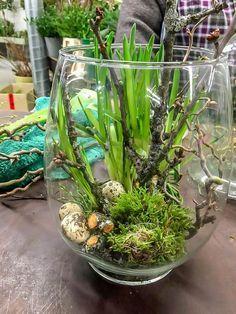 Great ideas for your Easter decoration - DIY Crafts Arte Floral, Deco Floral, Spring Decoration, Diy Easter Decorations, Ikebana, Easter Crafts, Christmas Crafts, Diy Osterschmuck, Spring Bulbs