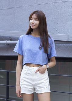 Lee Hyun Ji wearing Henry London watch and EEIGHT shoes