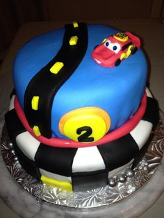 Cars / Lightning Mcqueen cake Lightning Mcqueen Cake, Cake Face, How To Make Cake, Cakes, Desserts, Food, Tailgate Desserts, Meal, Cake