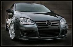 VW Jetta MKV: Blackout Non GTI/GLI Grill. |Volkswagen Bora