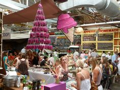 Cape Town market browsing under cover – Cape Town Tourism - Bay Harbour market. Went there a few weeks ago for the time. Was fabulous! Cape Town Tourism, African Market, Cape Town South Africa, Craft Markets, Africa Travel, I Fall In Love, Marketing, Annie, Followers
