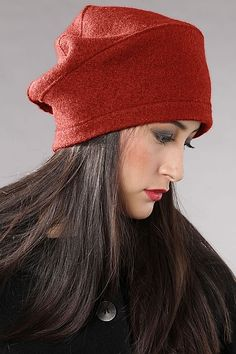 Cap Aurika Feminine, elegant and perfect for the urban look: this unique OSKA cap will round off your look and be - Salvabrani Fleece Hats, Millinery Hats, Urban Looks, Love Hat, Felt Hat, Hat Making, Headgear, Caps Hats, Hats For Women