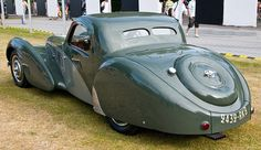 1937 Bugatti Type 57SC Atalante in the Cartier Style et Luxe at the 2009 Goodwood Festival of Speed