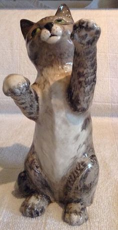 BESWICK PERSIAN CAT on hind legs No 1883 GREY STRIPPED | eBay