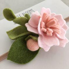 Your place to buy and sell all things handmade Felt Roses, Felt Flowers, Diy Flowers, Fabric Flowers, Paper Flowers, Felt Headband, Baby Flower Headbands, Felt Diy, Felt Crafts