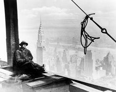 Construction worker high above Manhattan - New York City construction workers go to great heights - NY Daily News
