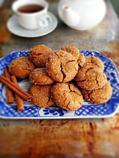 : Chewy Molasses Cookies