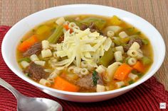 Sopa de carne com legumes: arrase com esse prato delicioso