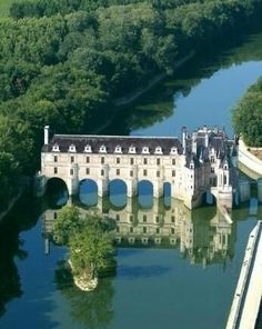 The Chateaux of Chenonceau, Loire Valley - France - Amazing Places Around the World