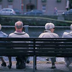"""Oms, il mondo invecchia: """"Nel 2020 più ultrasessantenni che bimbi sotto i 5 anni""""  (Inviato dall'app di Repubblica.it)"""