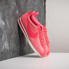Nike WMNS Classic Cortez Nylon Sea Coral  Sea Coral za skvělou cenu 2 190  Kč s dostupností ihned najdete jen na Footshop.cz! 0f87eae1372