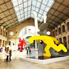 "TO DO! The 104 exhibits some ""large format"" works by Keith Haring until August 18 … Not to be missed, in particular the fascinating video on the life of this extraordinary artist! www. Keith Haring, Grand Format, Large Format, Monuments, Expo, Les Oeuvres, Disney Characters, France, Gym"
