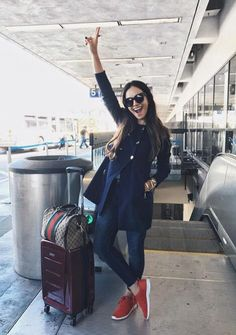 50 Brilliant Airports Outfits Ideas To Try The Effective Pictures We Offer You About Airport Outfit black girl A quality picture can tell you many things. You can find the most beautiful pictures that Airport Outfit Long Flight, Airport Travel Outfits, Airport Attire, Airport Look, Travel Outfit Summer, Airport Style, Comfy Airport Outfit, Bts Airport, Winter Outfits
