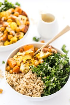 These HEALTHY curry roasted vegetable quinoa bowls are the perfect meal - easy to make, packed with protein and filled with amazing veggies!