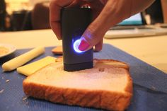 How many calories are in this piece of bread? This device can tell you.