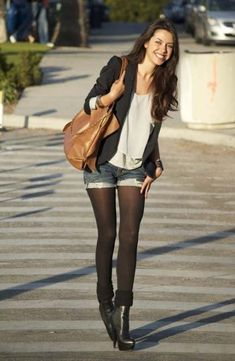 Super how to wear leggings with shorts black tights ideas Super how t. - Super how to wear leggings with shorts black tights ideas Super how to wear leggings wit - How To Wear Flannels, How To Wear Leggings, Shorts With Tights, How To Wear Scarves, Outfits With Tights, Jean Shorts, Formal Winter Outfits, Hot Fall Outfits, Short Outfits
