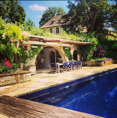 Our pool side view | http://instagram.com/therealoliviap