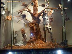 Tee's Blog: Harvey Nichols new window display