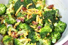 Creamy Broccoli Salad - Broccoli chopped apples walnuts carrots and raisins in a sweet and tangy dressing. Primal Recipes, Real Food Recipes, Diet Recipes, Cooking Recipes, Clean Eating, Healthy Eating, Paleo Side Dishes, Dieta Paleo, Apple Salad