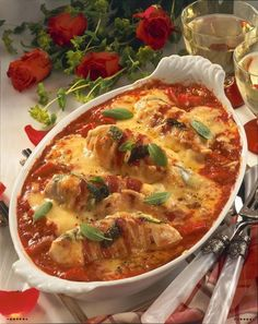 Baked chicken fillets in tomato sauce recipe DELICIOUS-Gebackene Hähnchenfilets in Tomatensoße Rezept