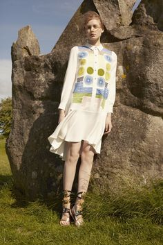 http://www.style.com/slideshows/fashion-shows/resort-2016/peter-pilotto/collection/11