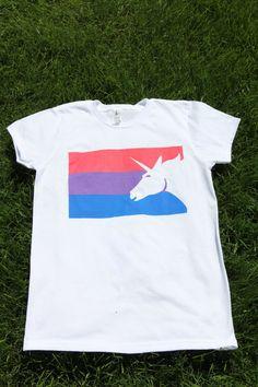 Einhorn-Flag T-Shirt-rosa-lila-blau von JayneBShea auf Etsy