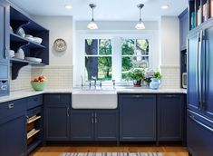 Architecture by Meriwether Felt, Edina, MN. Photography by Corey...