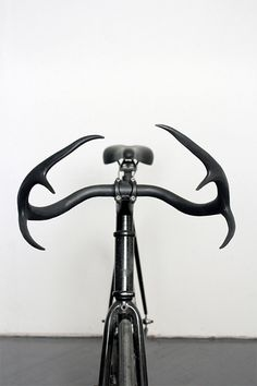 Beautiful handlebar for your bicycle created by New York based designer Taylor Simpson out of genuine deer antlers and recycled metal.