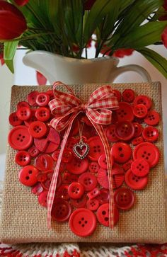 We gathered up of the BEST Valentine's Day Craft Ideas to share with you today & you are going to love these! Everything from DIY art projects, kids crafts, home decor, & keepsakes. Valentines Day Decorations, Valentine Day Crafts, Happy Valentines Day, Holiday Crafts, Valentine Ideas, Valentine Heart, Homemade Valentines, Valentine Wreath, Fall Crafts