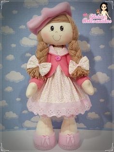 Boneca de Pano _ Boneca Russa com Boina Diy Doll Pattern, Doll Patterns, Doll Toys, Baby Dolls, My Child Doll, Cottage Crafts, Crochet Animals, Fabric Dolls, Kids And Parenting