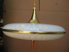 Flying saucer retractable