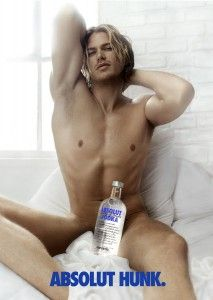 In a fictional ABSOLUT ad, which appeared on HBO's Sex and the City, actor Jason Lewis strikes a provocative pose, in character as Jerry, Samantha's boyfriend. The episode sparked a real life drink called the ABSOLUT HUNK.
