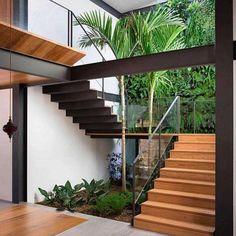 25 perfect indoor garden design ideas for fresh house 4 Home Stairs Design, Modern House Design, Stair Design, Modern Stairs Design, Tropical House Design, Loft Design, Modern Houses, Design Exterior, Interior Garden